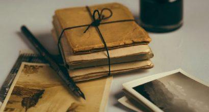Vanhoja kirjeitä pinossa