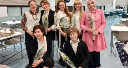 Kuvassa on VARIANTTI-pätevöitymiskoulutuksen osallistujat koulutuksen päätöspäivänä.