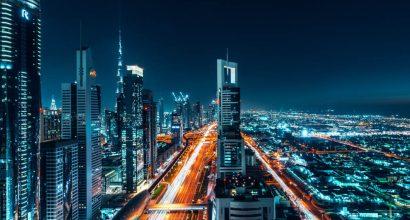 Ilmakuva Dubaista ilta-aikaan